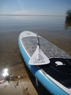 stand up paddle sur le lac de lacanau en France