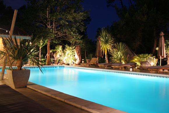 Chambres d 39 h tes lacanau surf camp avec piscine les bois - Chambre bois flotte ...