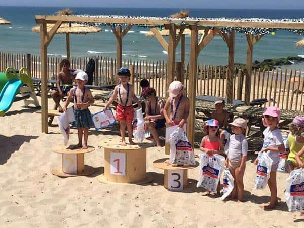 Club Mickey Lacanau océan Club de plage du journal de Mickey