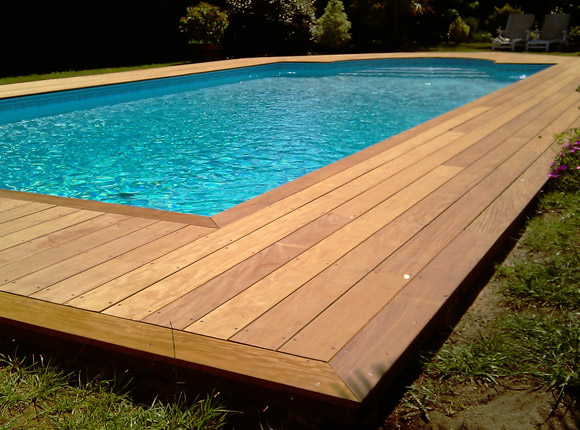 Terrasse piscine bois var diverses id es de for Amenagement plage piscine