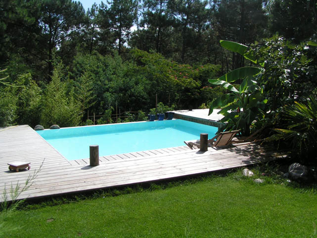 La construction de piscine debordement guide de for Cout piscine a debordement