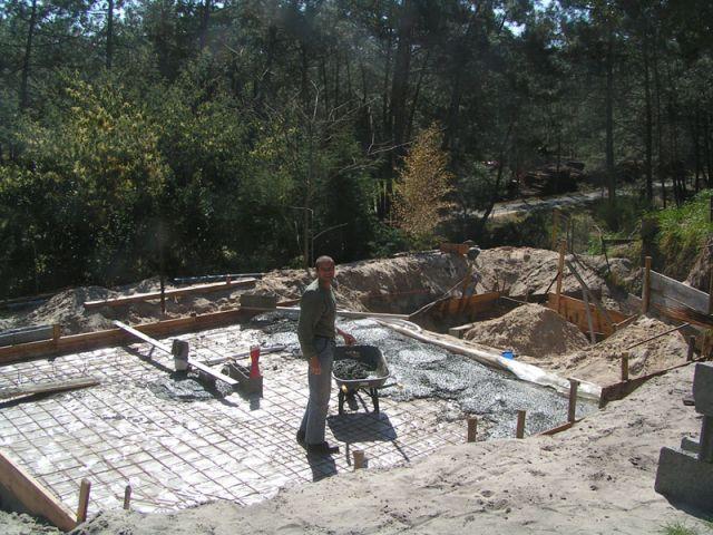 La pr paration de la chappe et le ferraillage de la piscine for Construction piscine geneve