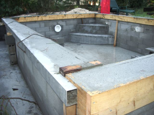 La construction de piscine debordement guide de - Faire une piscine en beton ...