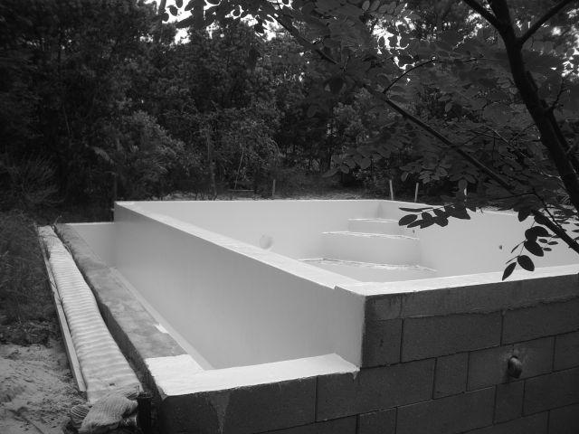 construction piscine etape 4 gelcoat de finition. Black Bedroom Furniture Sets. Home Design Ideas
