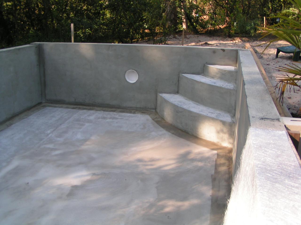 Mur piscine jardin with mur piscine piscine bton hors - Piscine fibre de verre hors sol ...