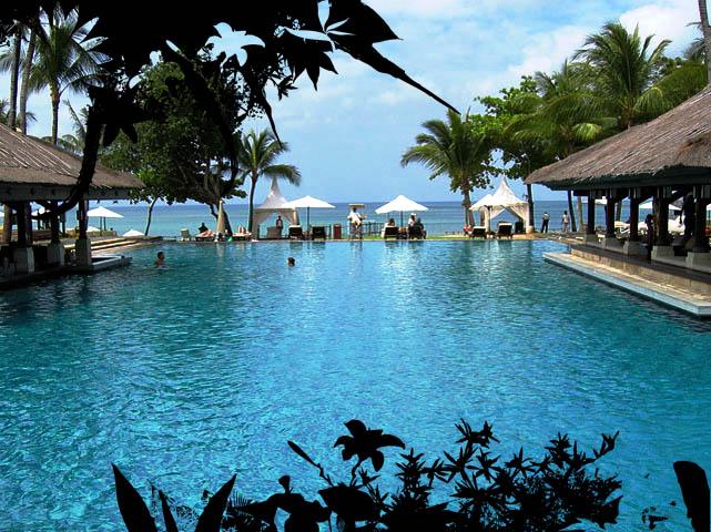 Photo de piscine tr s belles piscines de luxe for Piscine de luxe