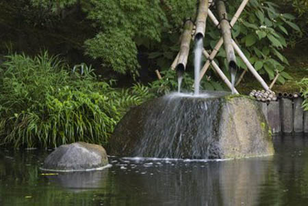 Fontaines de Jardin Japonais : fontaines en pierre et bambou