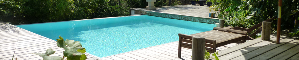 Jolie piscine b ton prix for Prix construction piscine beton